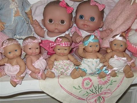 Photos And Dolls