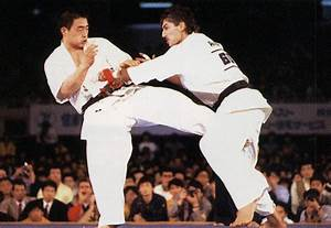 "KYOKUSHINKAI KLUB ""CRVENI ZMAJ"": KANCHO AKIYOSHI MATSUI"