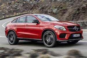 Suv Mercedes Gle : new mercedes benz gle coupe visually compared with the bmw ~ Carolinahurricanesstore.com Idées de Décoration