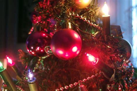 lichterkette weihnachtsbaum anbringen weihnachtsbaum lichterkette anbringen bild 1
