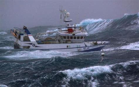 Fishing Boat North Sea by Massive Waves Pummel Fishing Boat In The North Sea 10