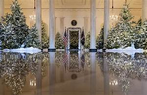 2017 White House Christmas Decorations in Pictures to ...