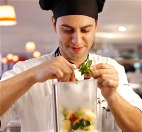 commis de cuisine commis de cuisine m f robinson
