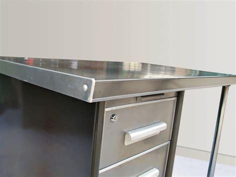 bureau acier bureau design industriel en acier jpg tables bureaux