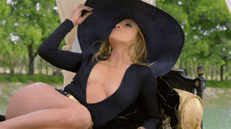 The Sexiest Gifs Of Jennifer Lopez Maxim