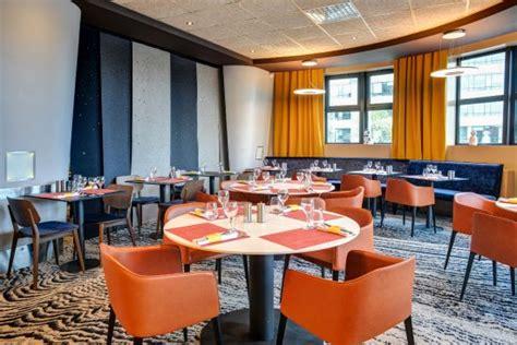 restaurant porte d orleans restaurant de l h 244 tel r 233 nov 233 en 2017 photo de novotel 14 porte d orl 233 ans