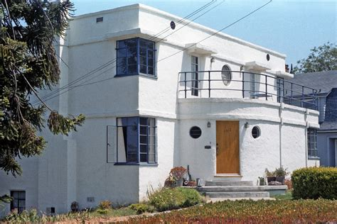 a classic exle of 1930s streamline moderne architecture in a santa california house i