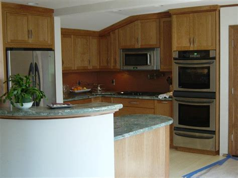 what is the best finish for kitchen cabinets finish cherry shaker doors feist cabinets and 9930