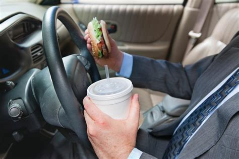 meals while cing the day eating while driving how distracting is it news from southeastern connecticut