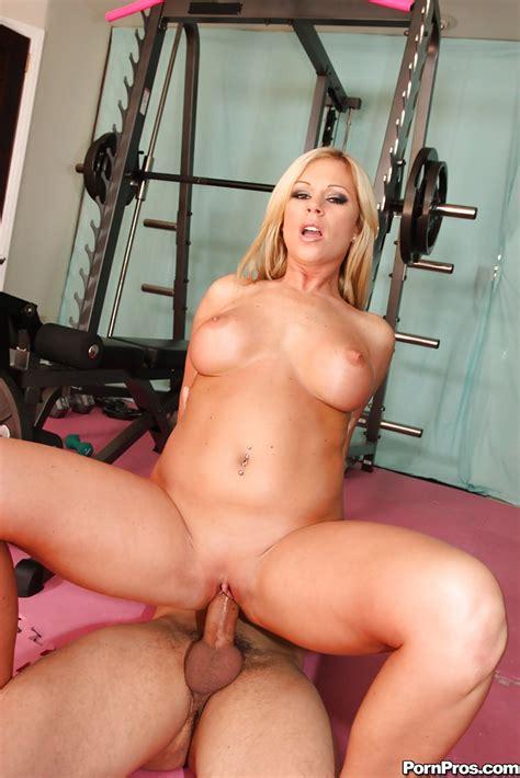 sports milf babe with big tits ahryan astyn has hardcore sex