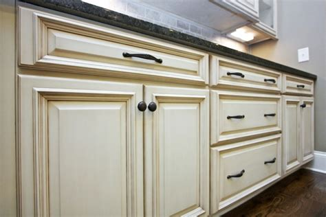 how to choose kitchen cabinets how to choose hardware for kitchen cabinets mf cabinets