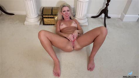 Anilos Sweet Big Ass Mature Lady Beth Masturbates Solo