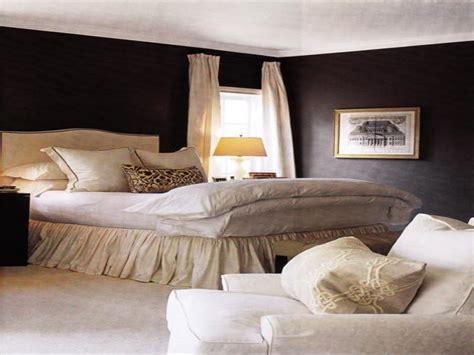 paint bedroom walls  dark charcoal  black color soften