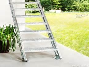 treppe konfigurieren aussentreppe als feuerverzinkte stahlwangentreppe