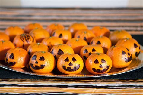 30 healthy Halloween treats for home, parties, or for