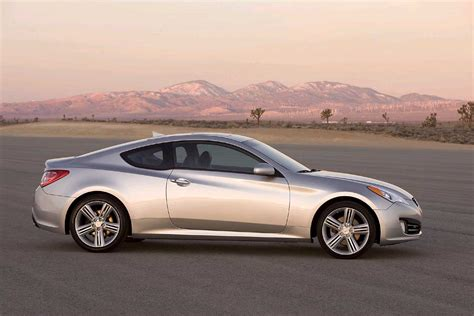 2010 Hyundai Genesis Coupe Review, Ratings, Specs, Prices