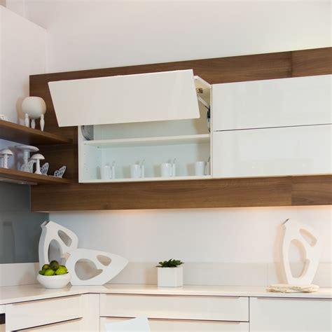 cuisine blanc laque cuisine mobalpa tallys laqué blanc brillant meuble