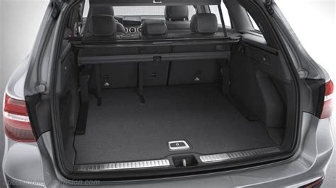 dimensions mercedes benz glc suv  coffre  interieur