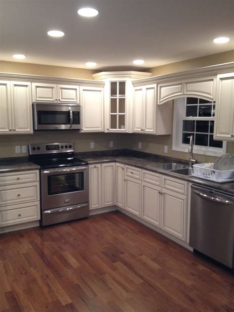 Signature Pearl cabinets with Slate Sequoia countertops