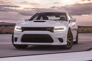 2018 Dodge Charger SRT Hellcat Pricing - For Sale | Edmunds
