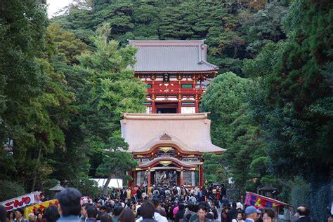 kamakura japan shrine temples tsurugaoka shrines samurai hachiman hachimangu tokyo shinto wikipedia