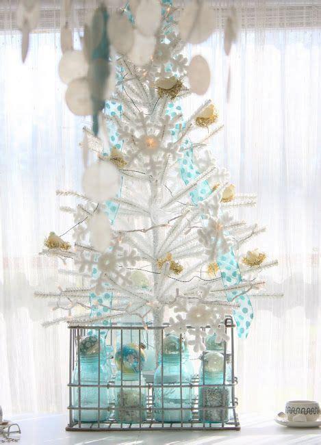 ways  decorate  bell jar  christmas