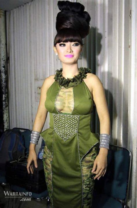 zaskia gotik hina lambang negara indonesia    tv