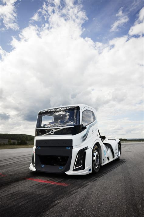 volvo iron knight  fastest truck   world hispotion