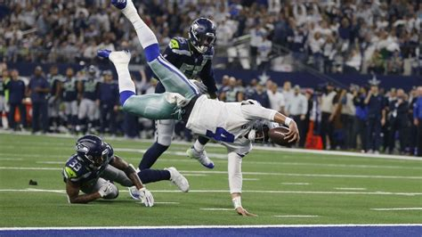 cowboys stun seahawks    playoff win  advance