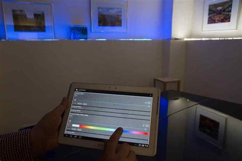 lichtsteuerung per smartphone led lichtsteuerung f 252 r wohnung und b 252 ro tab das fachmedium der tga branche