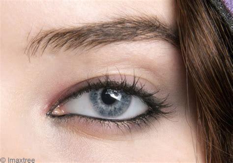 comment se maquiller les yeux comment se maquiller sous les yeux