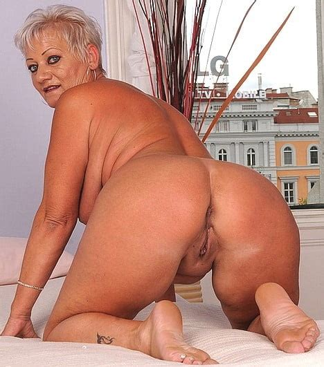 Matures And Grannies Bent Over Pussy Shots 1 50 Pics Xhamster