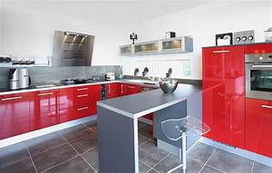 decoration cuisine grise et rouge With meuble de cuisine en bois rouge 2 idee couleur cuisine la cuisine rouge et grise