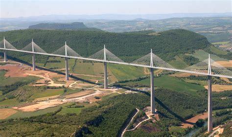world tallest bridge millau  france civilengi