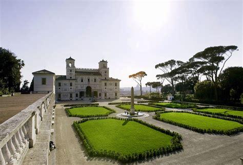 villa medicis rome chambres villa médicis la photo des pensionnaires scandalise les