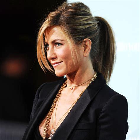 Lu2019u00e9volution coiffure de Jennifer Aniston - Elle
