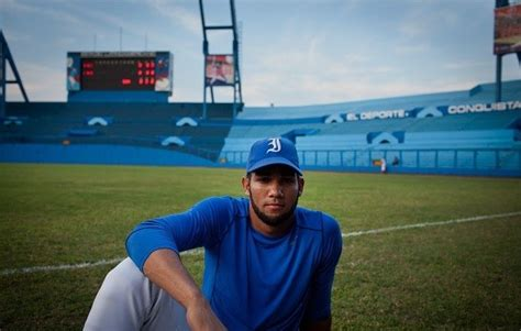 Sanchez: Blue Jays sign Lourdes Gurriel to seven-year deal