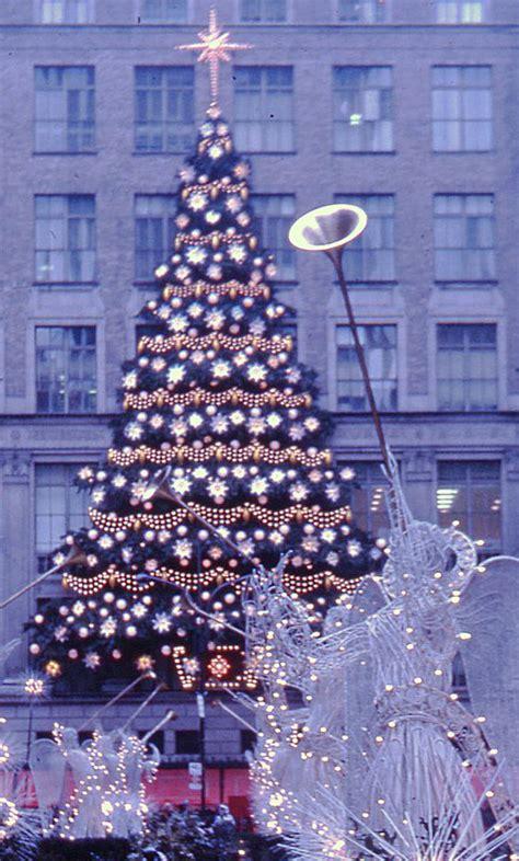 file rockefeller center christmas tree new york 1970
