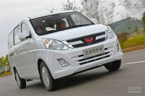 Wuling Cortez Hd Picture by China Lcv April 2015 Wuling Hongguang V Takes