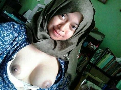 Bzc0nvgccaaimq6  In Gallery Hijab Jilboobs Indonesia Picture 1 Uploaded By Volando On