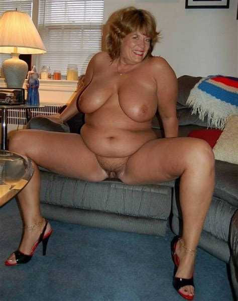 Another UK mature wives naked : photo 7
