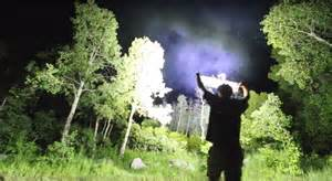 peur du noir une le torche de 90 000 lumens vous irait