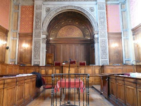 un braqueur en s 233 rie condamn 233 par la cour d assises