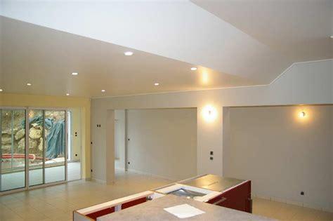conseil peinture comment repeindre plafond helpy