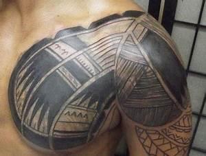 Tatouage Homme Original : tatouages aplats pectoraux ~ Melissatoandfro.com Idées de Décoration