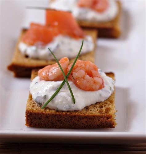 toasts de d épices au saumon et crevettes les