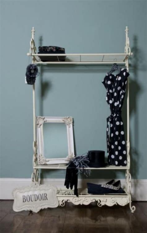 ideen fuer kleiderstaender design die kleidung ohne schrank