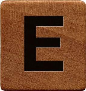 presentation alphabets wooden game tile e With letter tile games