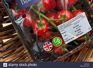 Einen Korb Bekommen Englisch : tomatoes supermarket packaging stockfotos tomatoes supermarket packaging bilder alamy ~ Orissabook.com Haus und Dekorationen