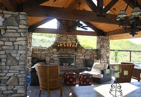 5 Tips For Your Outdoor Living Room